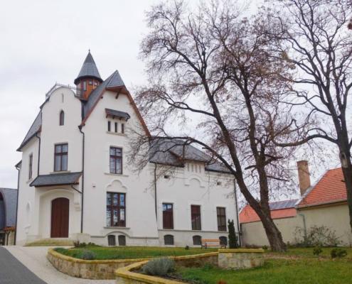 Mádi Bor Akadémia